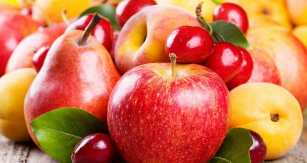 What fruits to eat and what not to eat in Rainy Season: DwarkaExpress